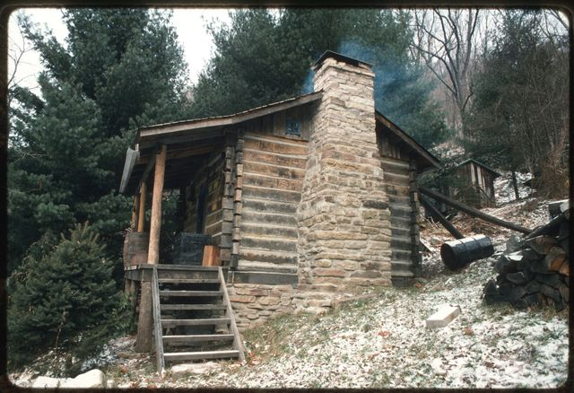 Exterior of log house built by Woody Boggs