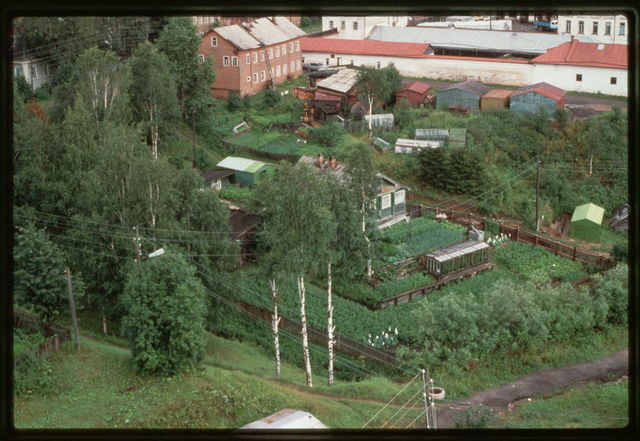 Garden plots near Kuskov Embankment, Tot'ma, Russia