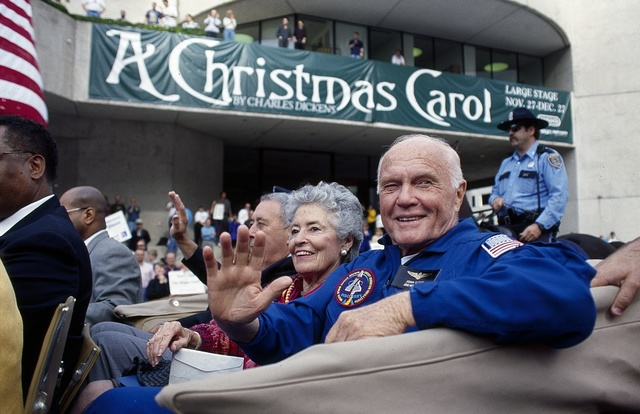 John Glenn and his wife Annie at a 1998 parade honoring U.S. astronauts in Houston, Texas