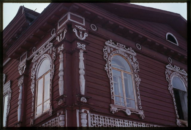 Kalinin house (early 20th century), facade decoration, Belozersk, Russia