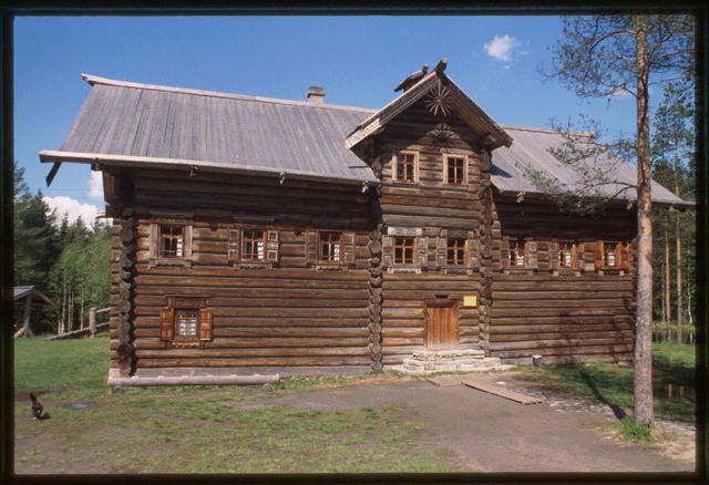 Log house, from Bolshoi Khalui village (Kargopol Region) (19th century), reassembled at Malye Korely Architectural Preserve, Russia