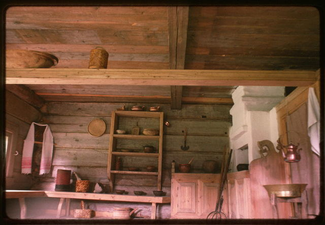 Log house from Kondratevskaia village (Verkhnetoima Region) (19th century), interior, main room, reassembled at Malye Korely Architectural Preserve, Russia