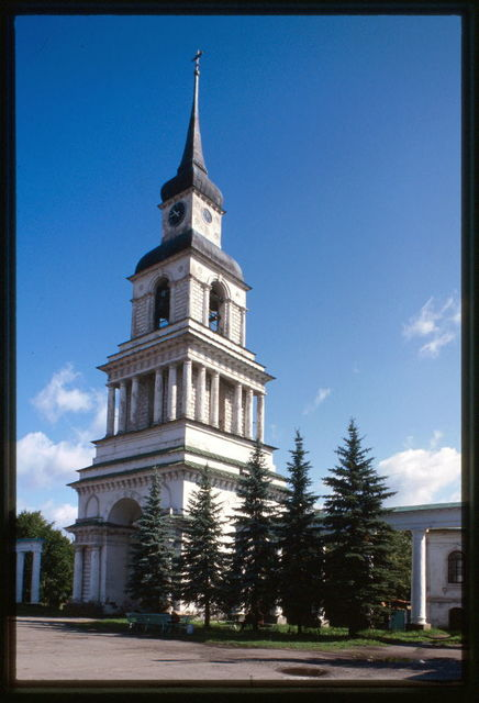 Bell tower of Church of the Transfiguration of the Savior (1823), Slobodskoi, Russia