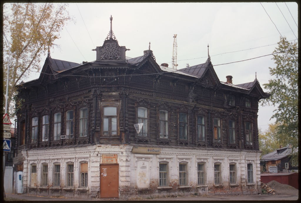 Brick and log house voikova street 21 late 19th century for Log and brick home