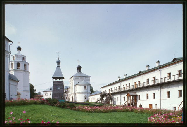 Dormition-Trifonov Monastery, cloisters (left) (1742), Gate Church of St. Nicholas (1690-95), and bell tower (1714), east panorama, Viatka, Russia