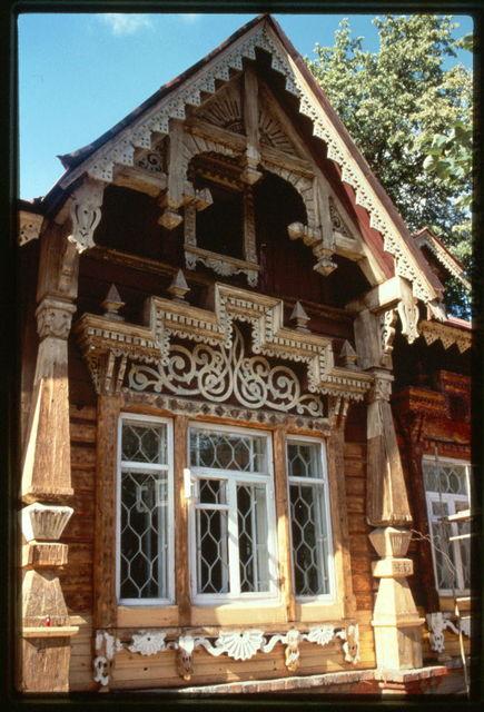 Tokareva house, built around 1900, detail of main facade, Perm', Russia