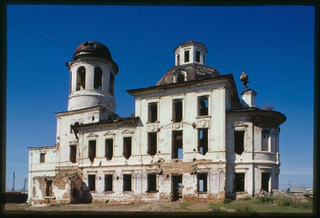Church of the Kazan Icon of the Virgin (1809-11), south facade, Tvorogovo, Russia