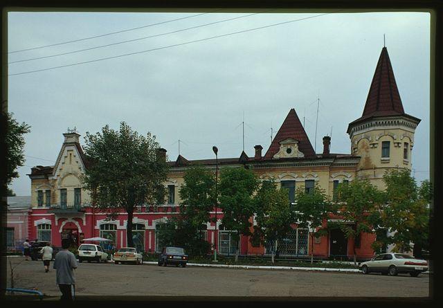 Kunst and Albers Department Store (Kalinin Street 52), (1892; 1909), Ussuriisk, Russia