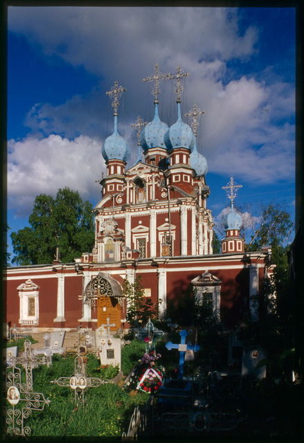 Church of the Kazan Icon of the Virgin (1694), southwest view, Ustiuzhna, Russia