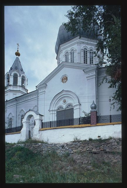 Church of the Elevation of the Cross (1883), west facade, Syrostan, Russia