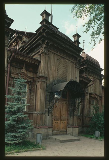 Wooden house (Red Army Street #100), (around 1900), Cheliabinsk, Russia