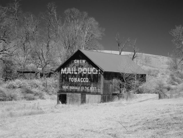 Mail Pouch barn on historic National Road, Ohio