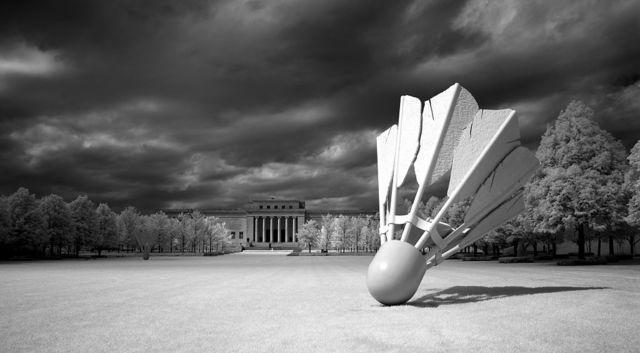 Nelson Atkins Art Museum, Kansas City, Missouri, with Shuttlecocks sculpture by Claes Oldenburg