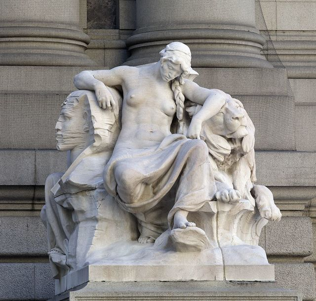 """Daniel Chester French """"Africa"""" statue in front of the Alexander Hamiton U.S. Customs House, New York, New York"""