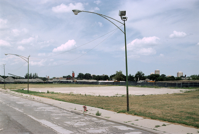 View NE from S. Federal St.. towards W. 45th St., Chicago, 2007