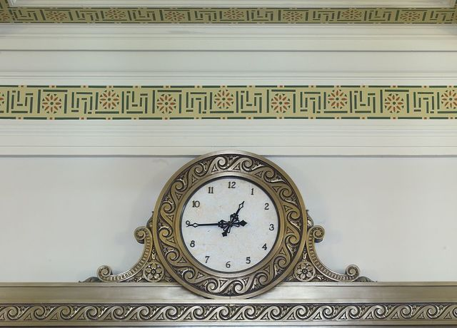 Interior clock, Robert J. Nealon Federal Building and U.S. Courthouse, Scranton, Pennsylvania