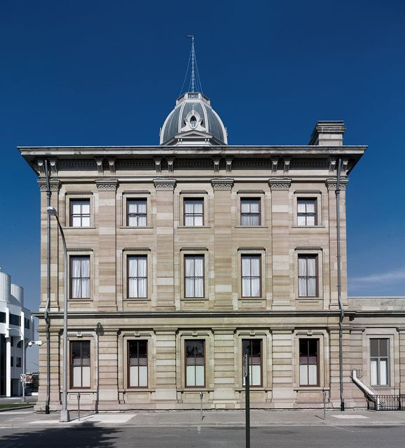 Side exterior full, Federal Building and U.S. Courthouse, Port Huron, Michigan