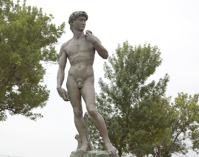 """Full-sized reproduction of the statue of """"David"""" by Michelangelo, Sioux Falls, South Dakota"""