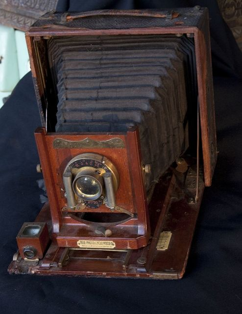 Camera thought to be owned by renowned photographer Frances Benjamin Johnston