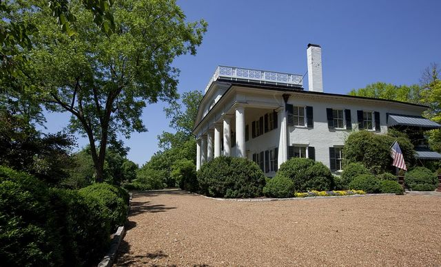 Pope Mansion, built in 1814 on the highest hill in Huntsville, Alabama