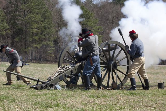 Reenactment of Civil War siege of April 1862, Bridgeport, Alabama