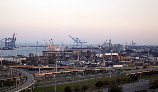 Ship loading and highways converge in Mobile, Alabama