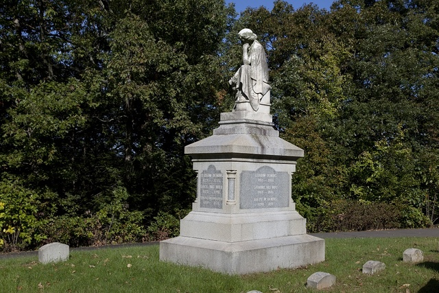 Oak Hill Cemetery in Southington, Connecticut