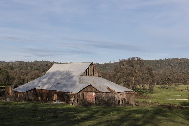 An extensive barn in Butte County, California, east of Oroville