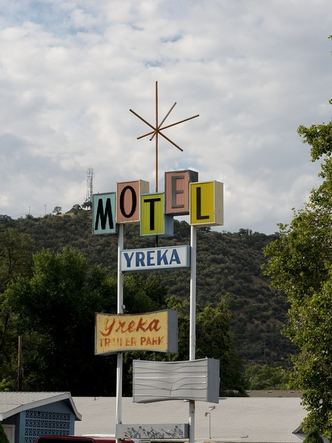 Motel sign, Yreka, California