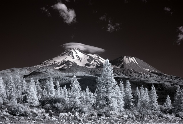 Mount Shasta, is located at the southern end of the Cascade Range in Siskiyou County, California