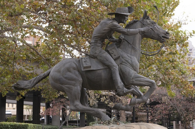 The Pony Express statue is made by sculptor Thomas Holland in Old Sacramento, California