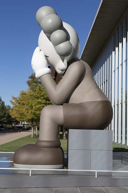 Fort Worth Modern Art Museum Statue