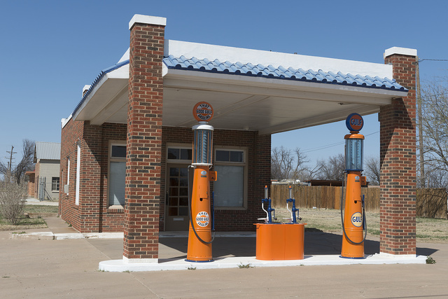 A restored Gulf service station in Albany, Texas. The gasoline pumps were gravity-driven; the low pumps in the center island dispensed kerosene