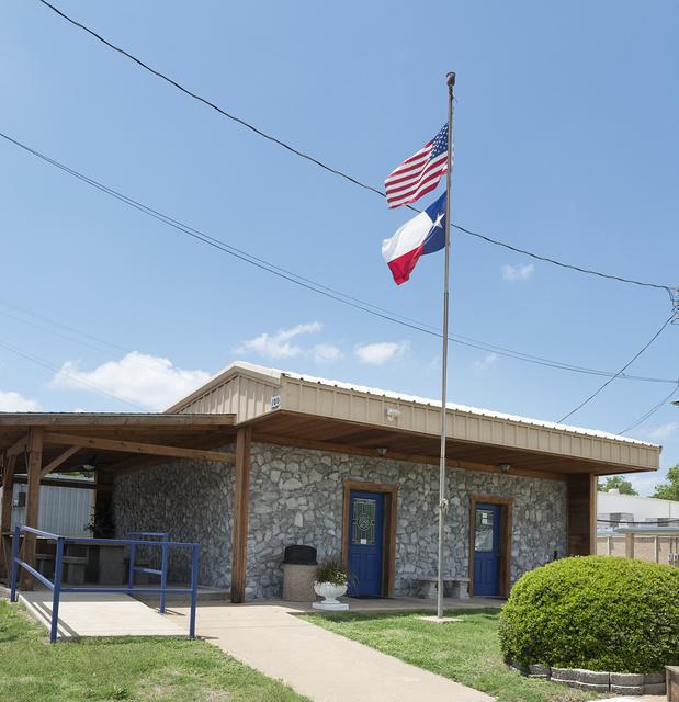 [Building, 100 W. Garland Street, Grand Saline, Texas]