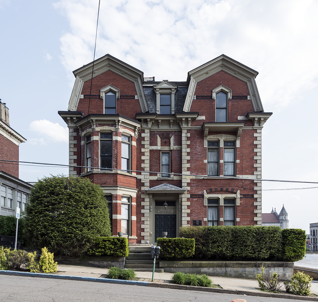 Attractive building at 96 12th Street in Wheeling, West Virginia's Monroe Street East Historic District