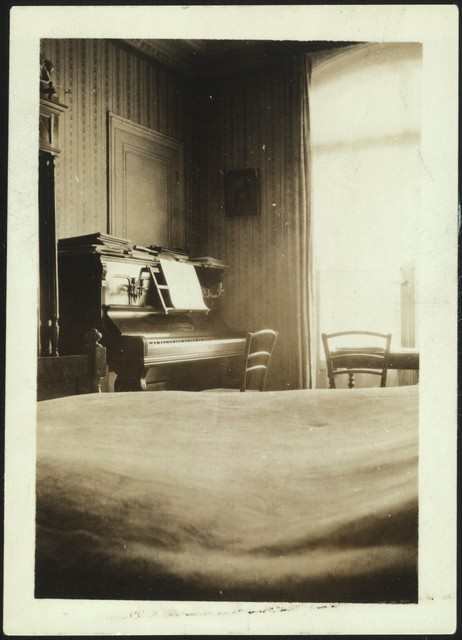 Aaron Copland's piano in Paris, early 1920s