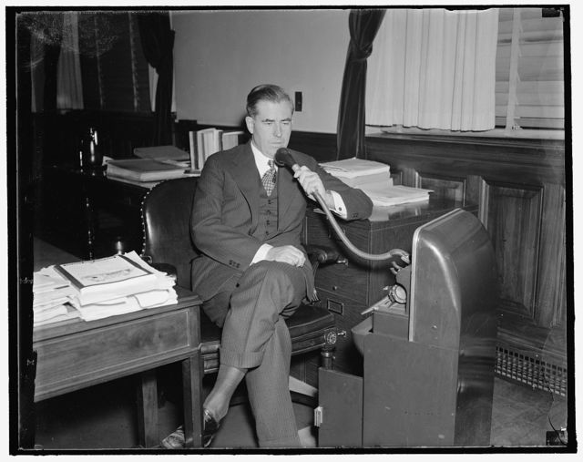 Agriculture Secretary prepares speeches with use of dictaphone. Washington, D.C., Sept. 20. Secretary of Agriculture Henry A. Wallace dispenses with the services of a stenographer and instead uses a dictaphone when preparing his speeches. In fact, he seldom uses a stenographer even when dictating [...] picture was made today, 9/20/37