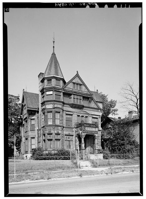 Alfred Uihlein House, 1639 North Fifth Street, Milwaukee, Milwaukee County, WI