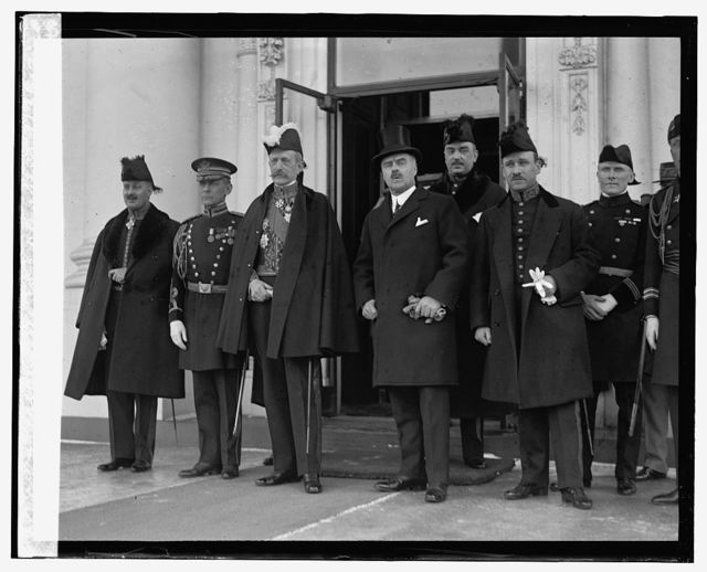 Amb. M. Emile Daeschner presents credentials to President, 1/30/25