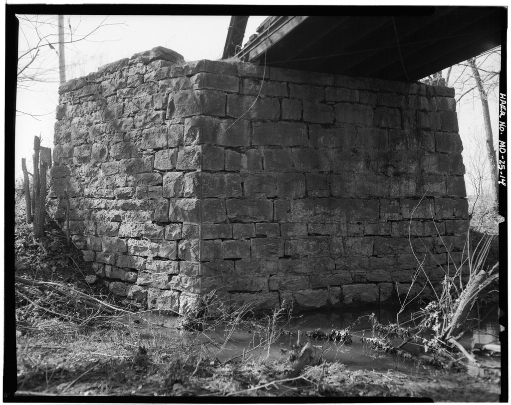 American Mill Bridge, Spanning Center Creek, intersection Routes H & 71 vicinity, Carthage, Jasper County, MO