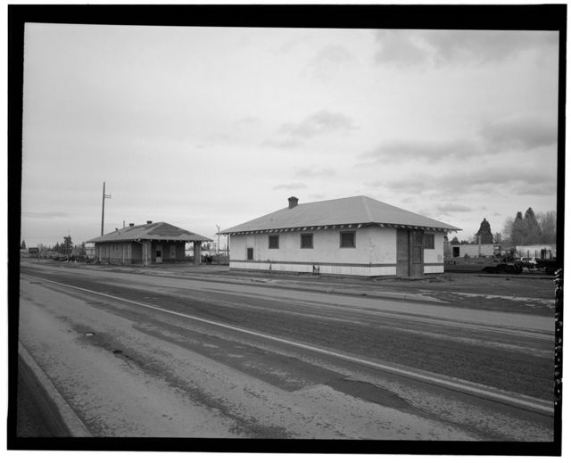American Railway Express Company Freight Building, 1060 Northeast Division Street, Bend, Deschutes County, OR