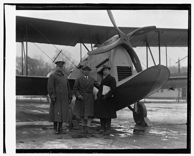 Amphibian plane, Maj. Clagett, Gen. Mitchell, Grover Loe[...], 1/19/25