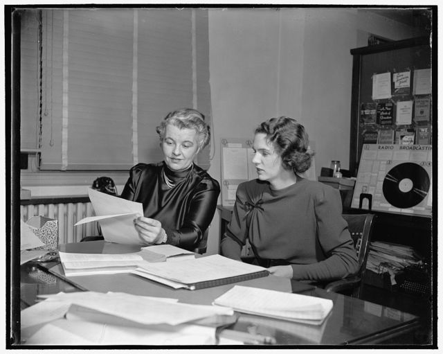 Announce formation of 22 additional Women's Republican Clubs. Washington, D.C., Dec. 2. Following a meeting today of Miss Marion E. Martin, left, Executive Director, and Mrs. James R. Arneill Jr., President of the National Federation of Women's Republican Clubs, announcement was made of the acceptance by the Federation Advisory Committee of 22 additional clubs. This makes a total of 105 now in the Federation since its formation last September. Miss Martin is Assistant Chairman of the Republican National Committee in charge of woman's activities