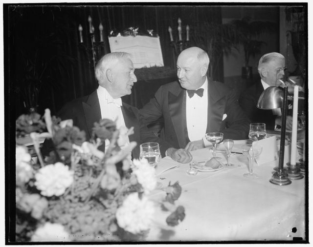 At Cummings testimonial dinner. Washington, D.C., Jan. 12. Secretary of State Cordell Hull and PMG James A. Farley pictured at last night's Testimonial Dinner to the requiring Attorney General, Homer S. Cummings, at the Mayflower Hotel, 1/12/39