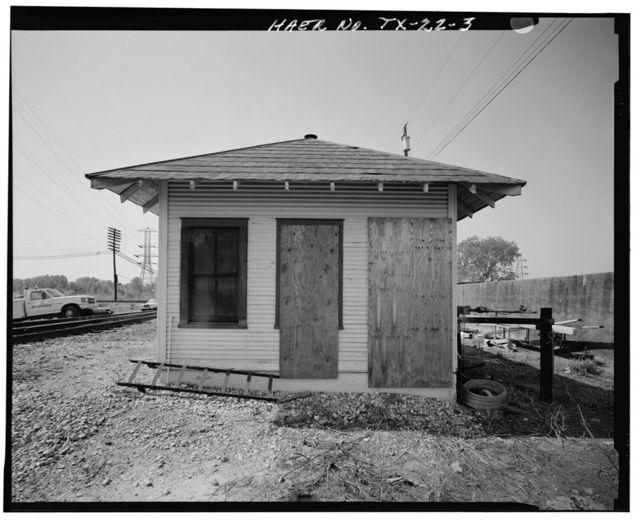 Atchison, Topeka & Santa Fe Control Tower 19, Tool Shed, Santa Fe Railway Milepost 51, Dallas, Dallas County, TX