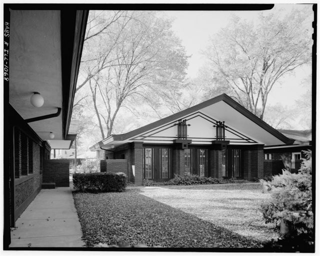 Babson Stable & Service Building, 283 Gatesby Lane, Riverside, Cook County, IL