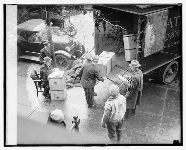 Ballots in the Vare - Wilson election case arriving at the Capitol, 1/18/27