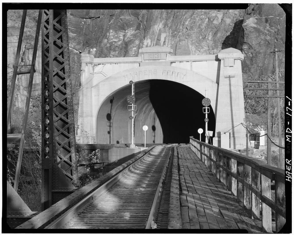 Baltimore & Ohio Railroad, Harpers Ferry Tunnel, North bank of Potomac River, opposite Harpers Ferry, Sharpsburg, Washington County, MD