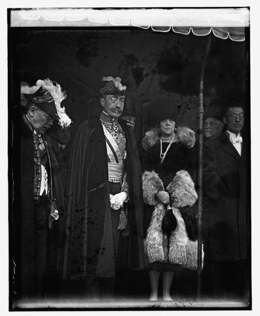 Baron de Cartier and Dr. Herman Velarde at W.H. reception, 1/1/25