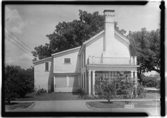 Baxter-Fennell House, 202 East Walnut Street, Seguin, Guadalupe County, TX